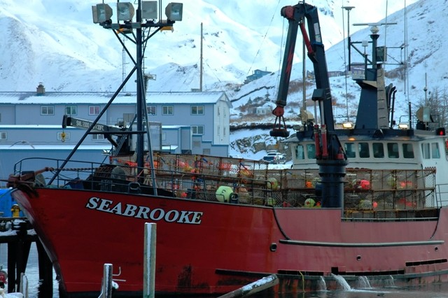Deadliest Catch Seabrooke Sinks   apexwallpapers.com
